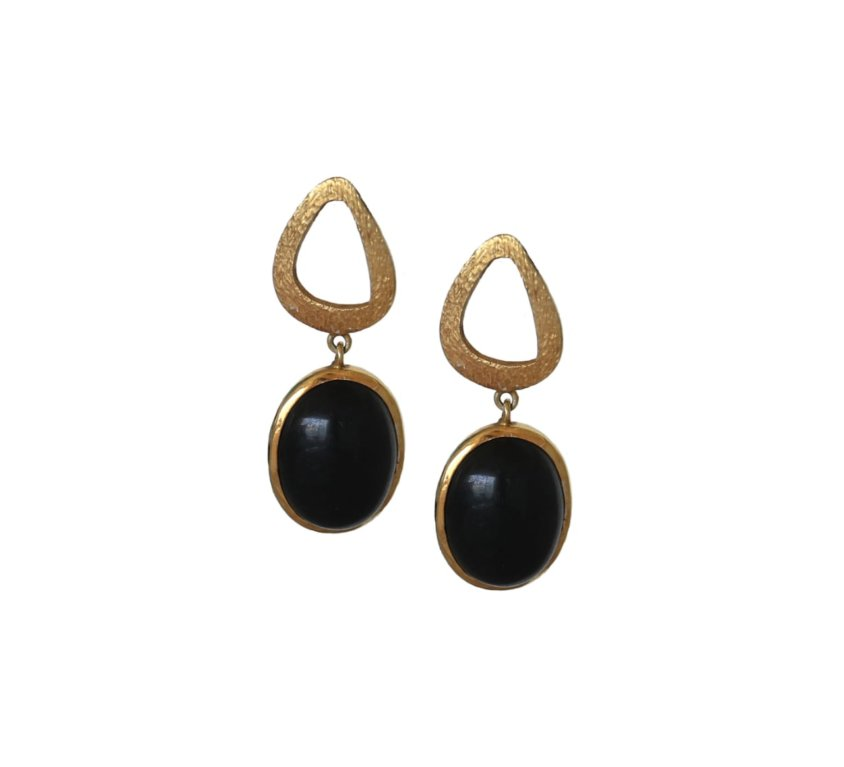 Black Onyx Rustic Drop – Gold Tone