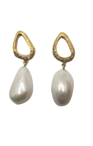 Glam Baroque Pearl Drop 18k Gold Plated